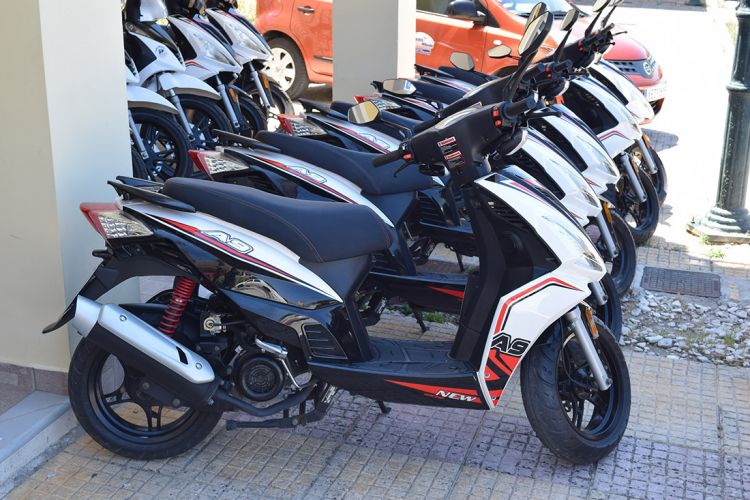 Kefalonia scooter rentals 01