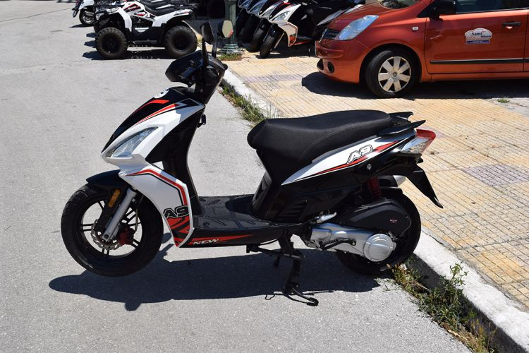 Kefalonia scooter rentals 02