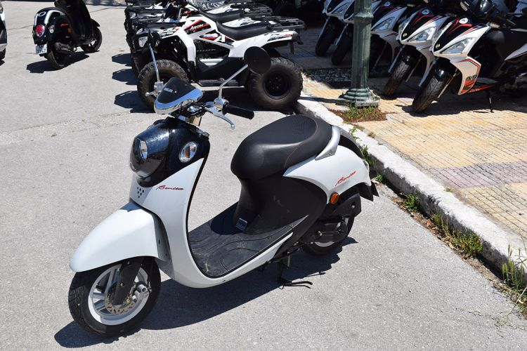 Kefalonia scooter rentals 05