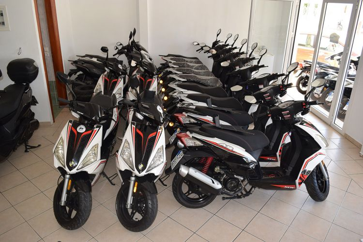 Kefalonia scooter rentals 06